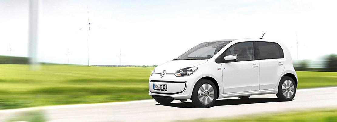 Volkswagen e-up! elbil och vindkraftverk