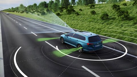 Aktiva säkerhets- och förarassistanssystem i Volkswagen räddar liv