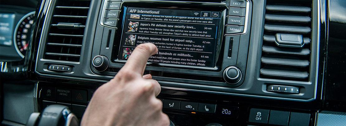 App-Connect och Car-Net gör bilen till en smartphone på hjul